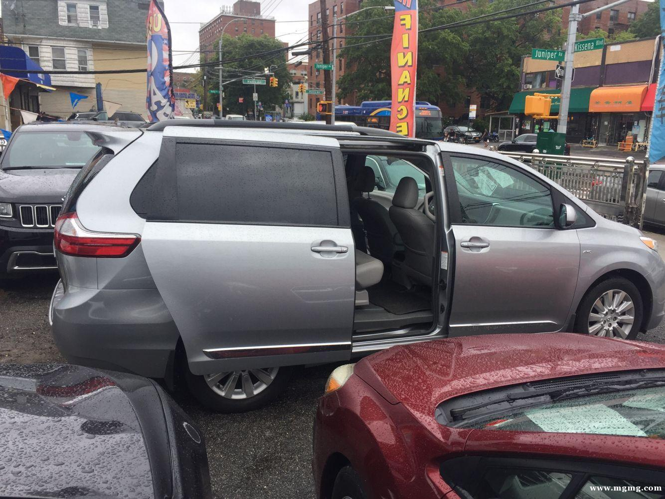 出售2016年 Toyota sienna XLE 7人座,
